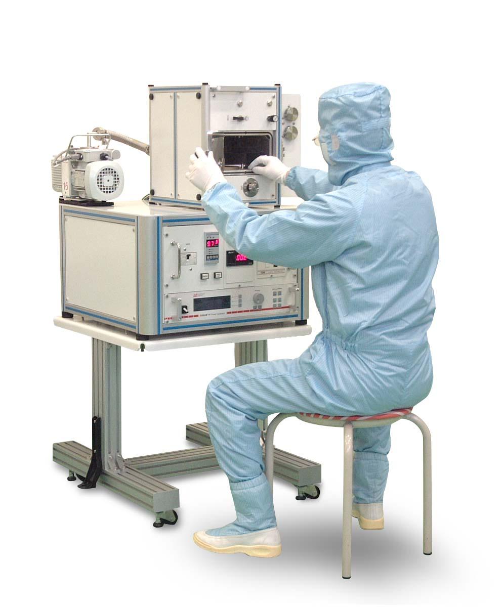 専用台を使用したSSP1000の操作風景
