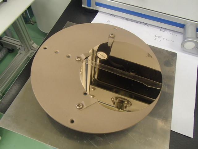 窒化チタン成膜後のシリコンウエハ